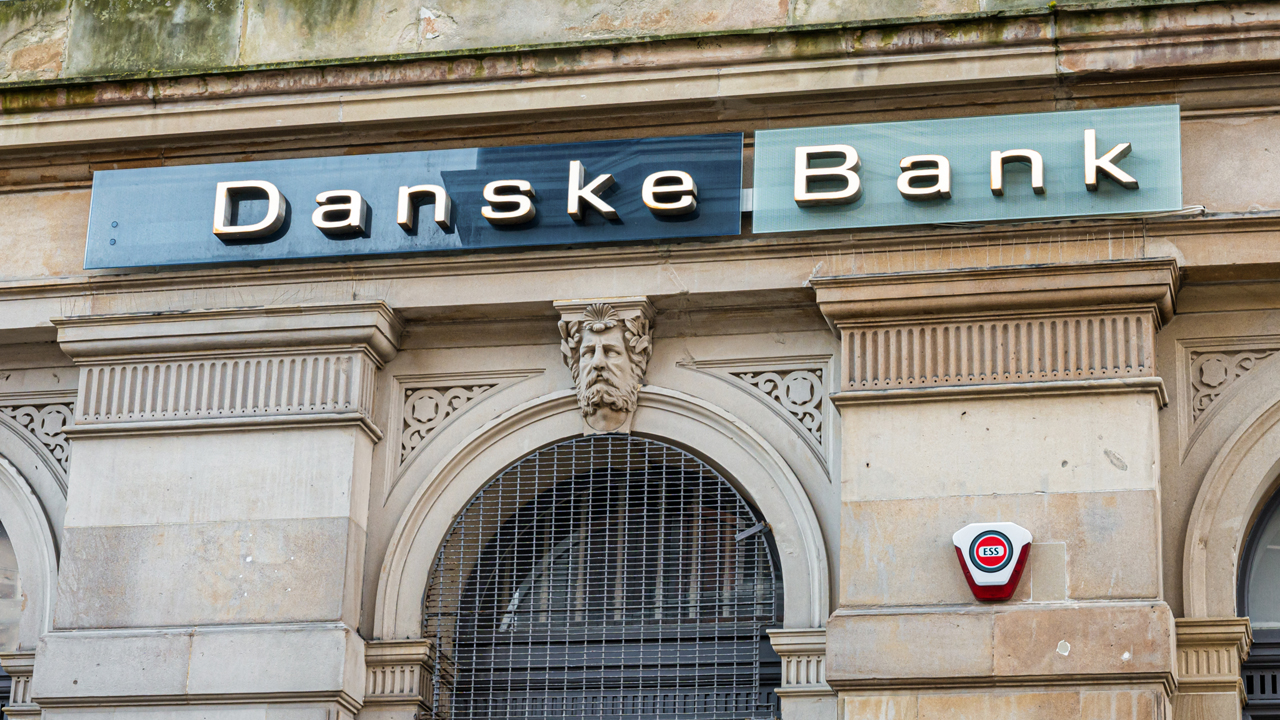 Danske Bank Lowers Negative Rate Threshold, Denmark's Business Minister Says 'Enough is Enough'
